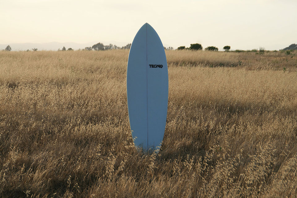 The first BIOM biofoam surfboard ever produced : : June 14, 2013