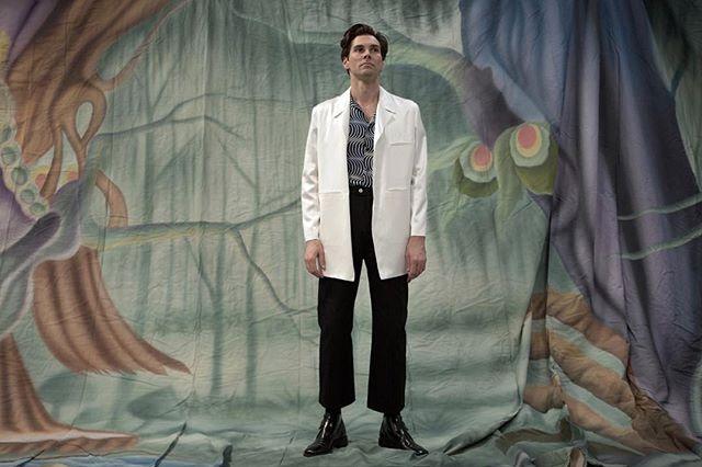 Satin Lab Coat + Op Art Silk Blouse + Wide Leg Western Trouser. - Photo: @el_mustachios  HMU: @travisean
