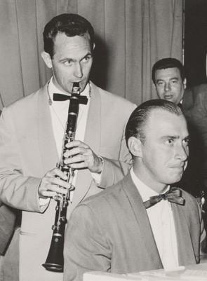 Billy Walker (Don Burrows, Joe Singer in background)