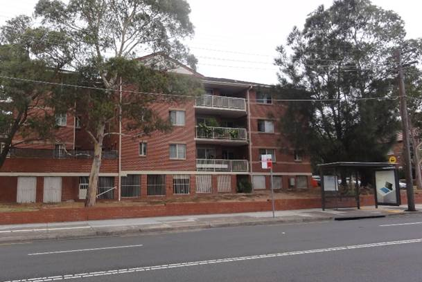 4-storey residential buildings to the west of Penshurst Street