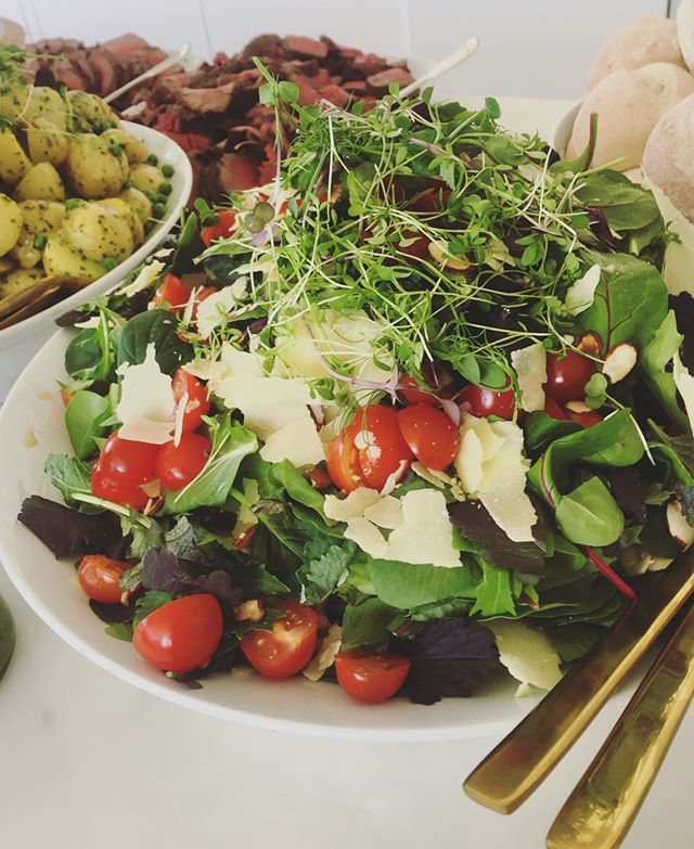 Email hello@belland.co for any last minute salad orders for Christmas Day 🎄🎄🎄