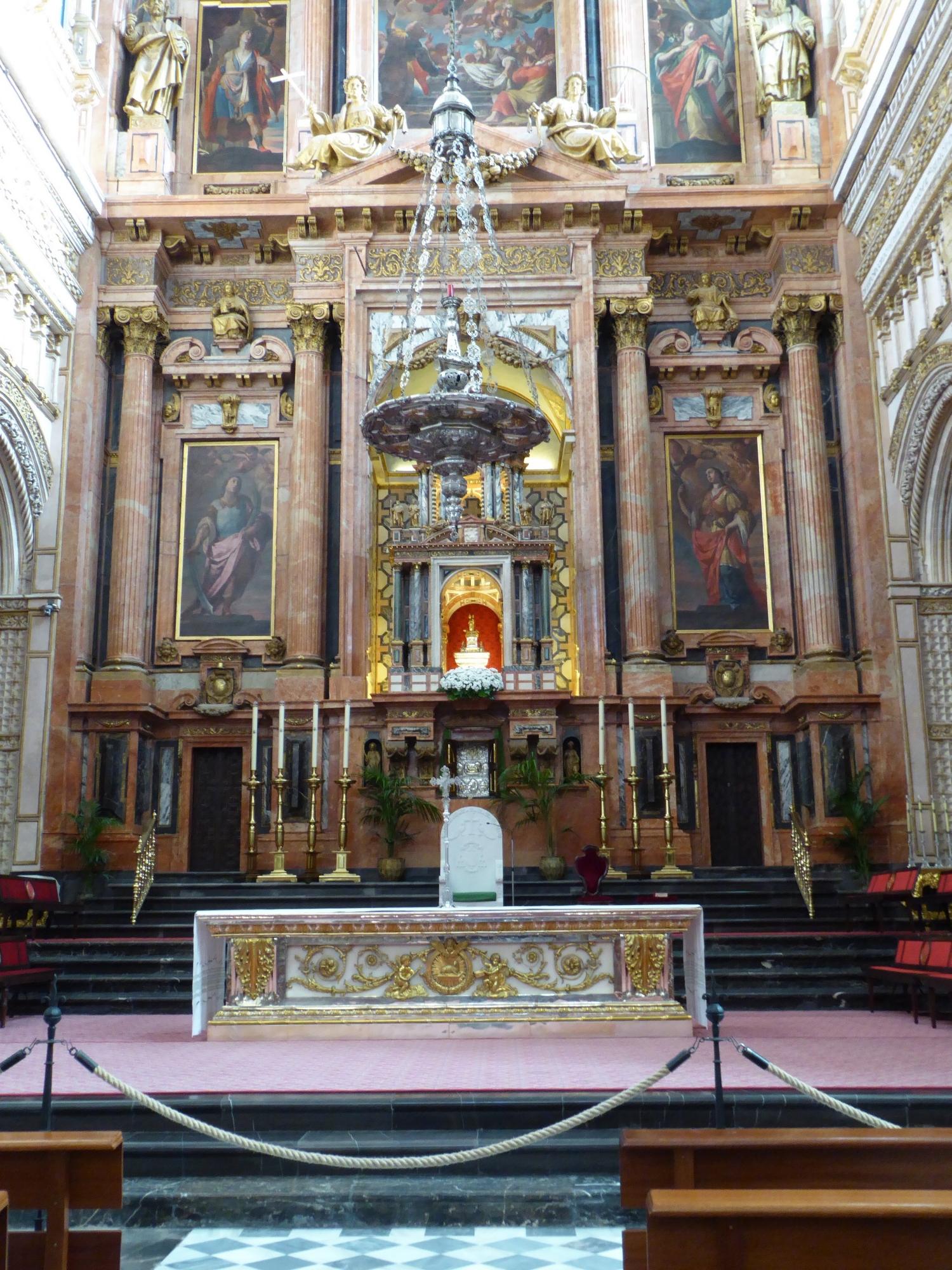 Catholic alter inside the Mezquita