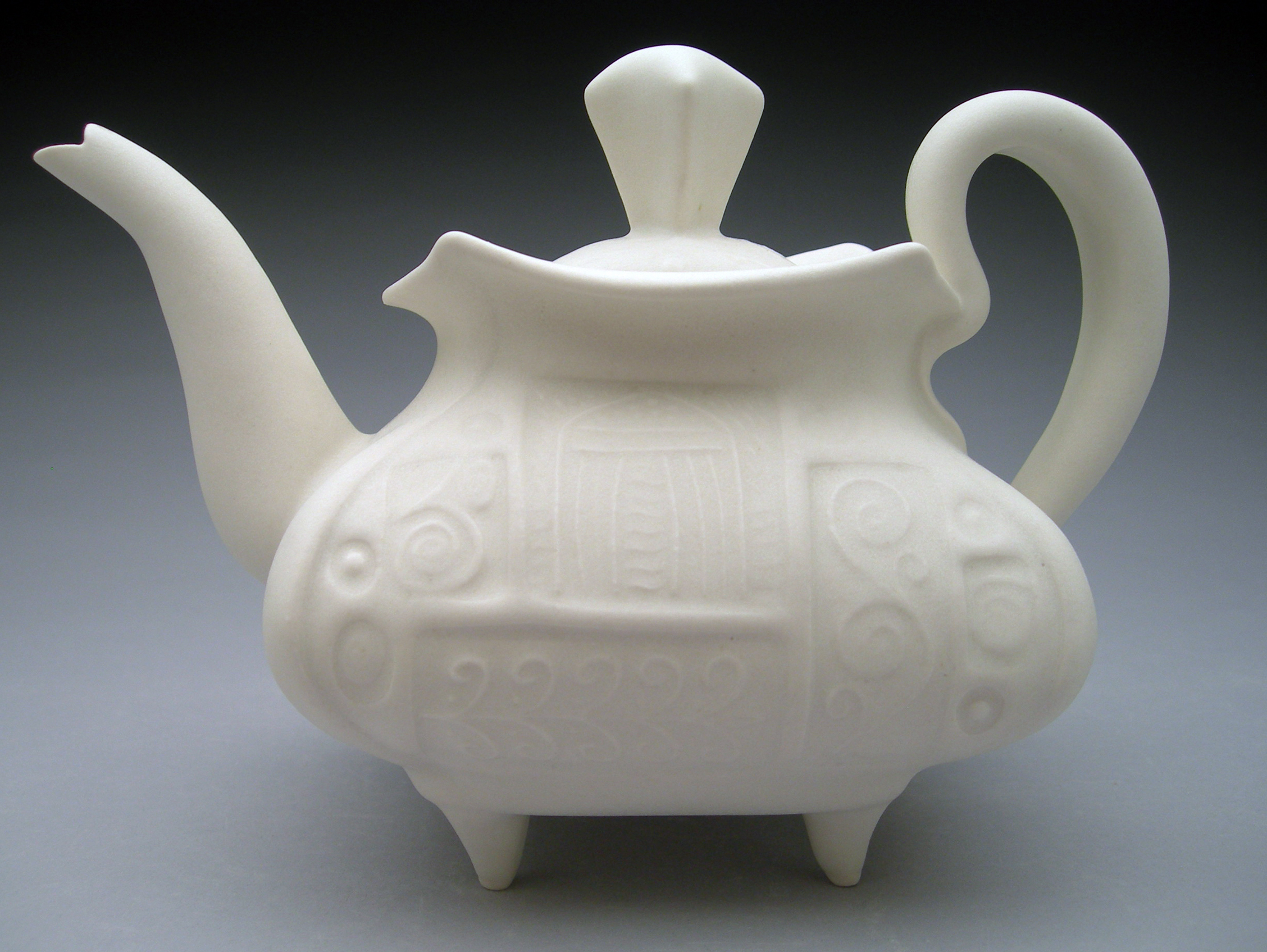 S. Pierantozzi teapot.jpg