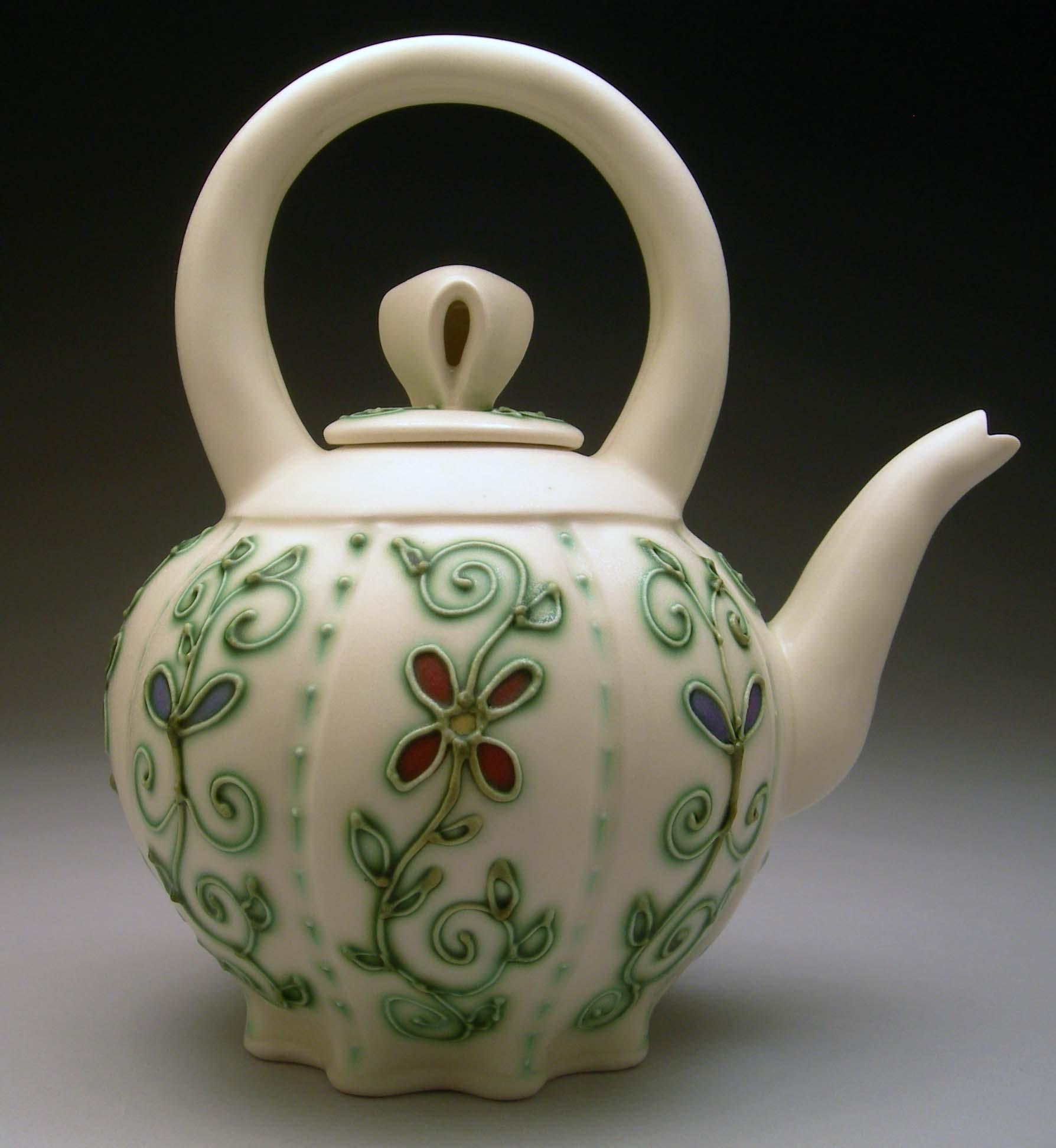 Sandi Slip Trailed Teapot.JPG