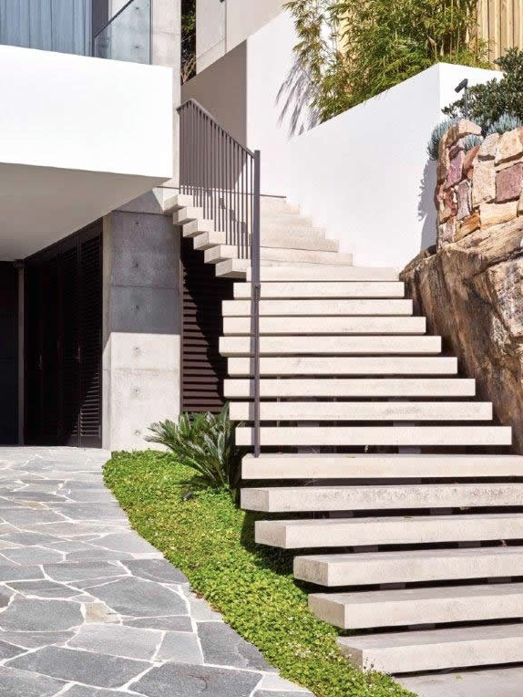 Vaucluse - Floating Staircase