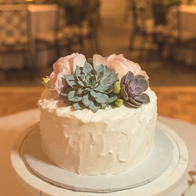 HIghlandPark-Wedding-Flower-Cake.jpg