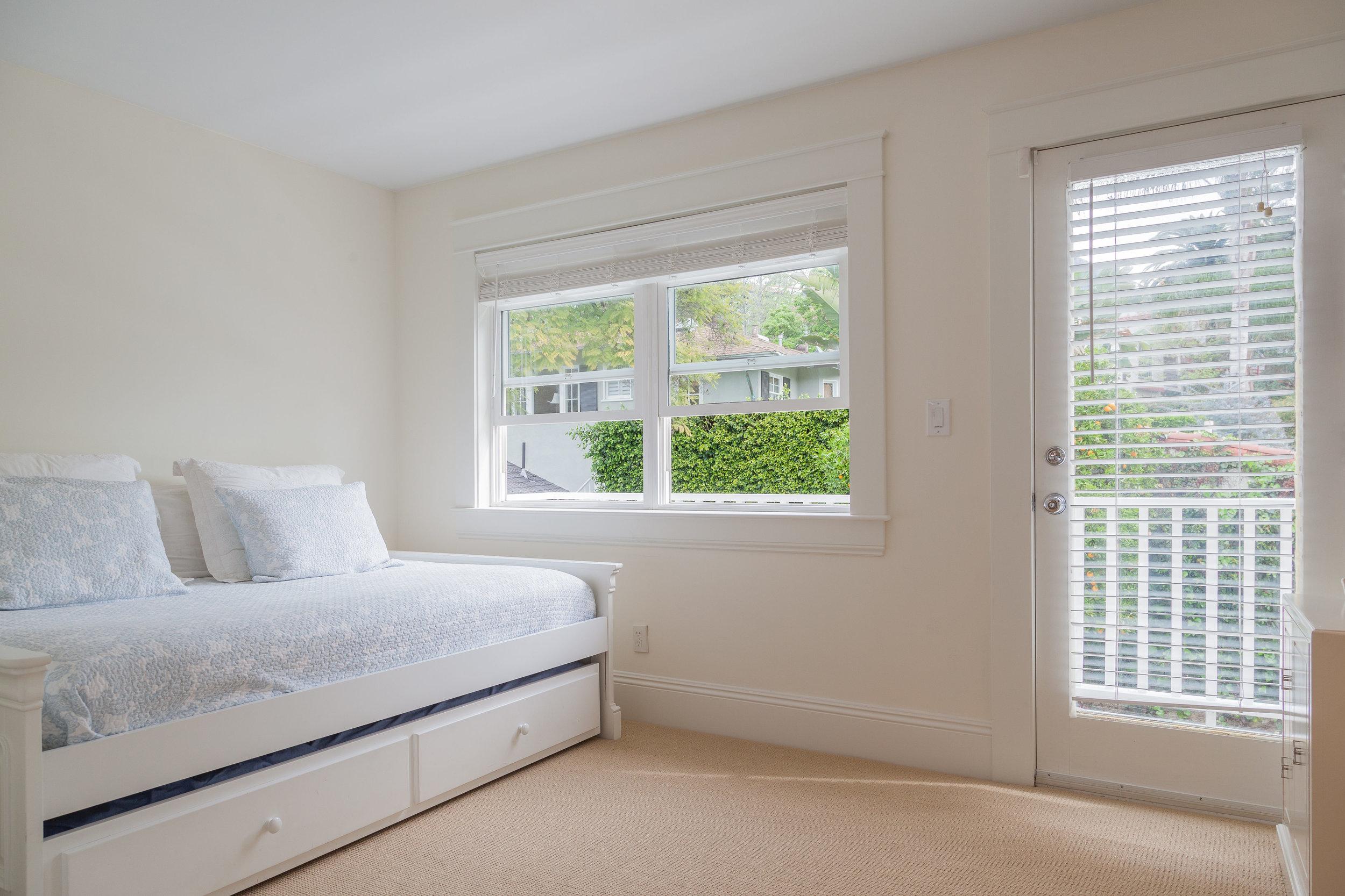 3163 La Suvida Dr Los Angeles-print-031-Bedroom-4200x2800-300dpi.jpg