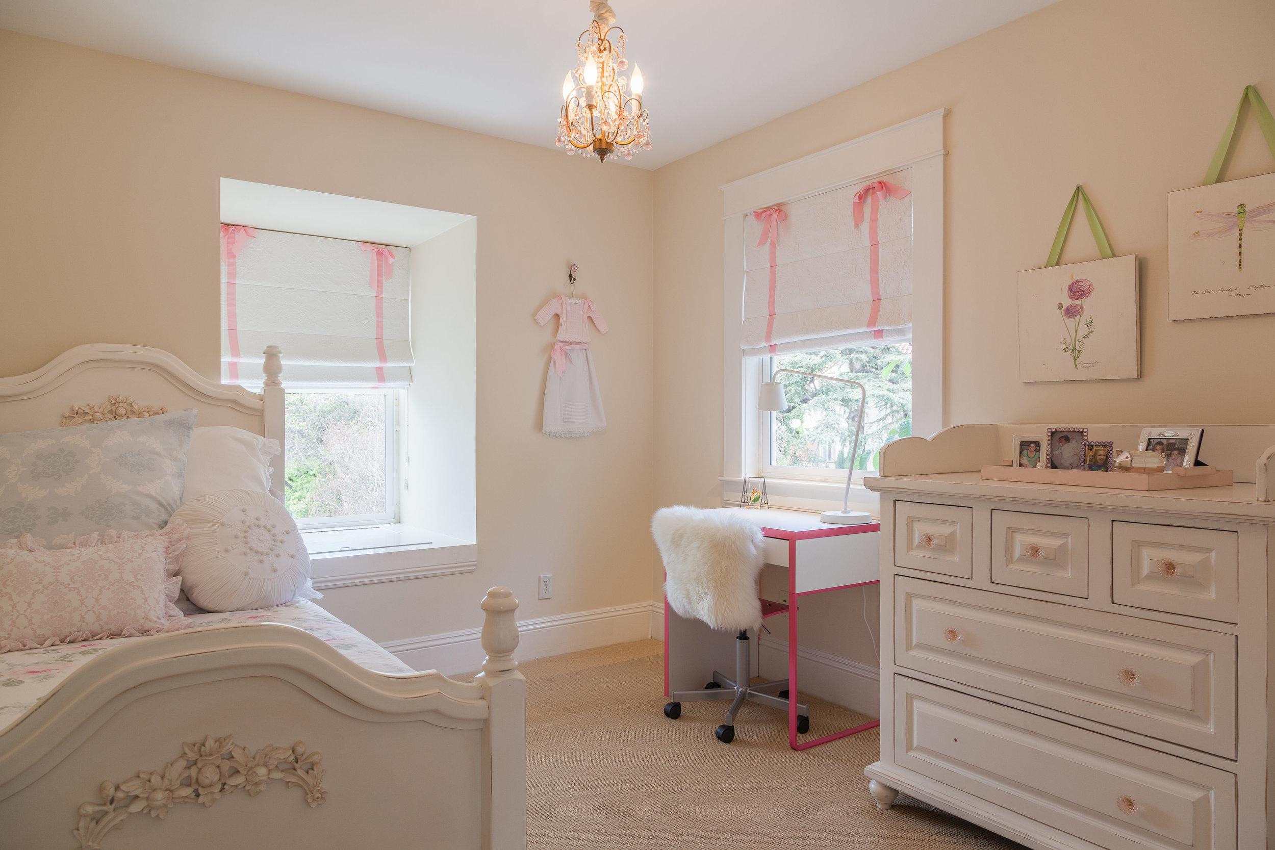 3163 La Suvida Dr Los Angeles-print-030-Bedroom-4200x2800-300dpi.jpg