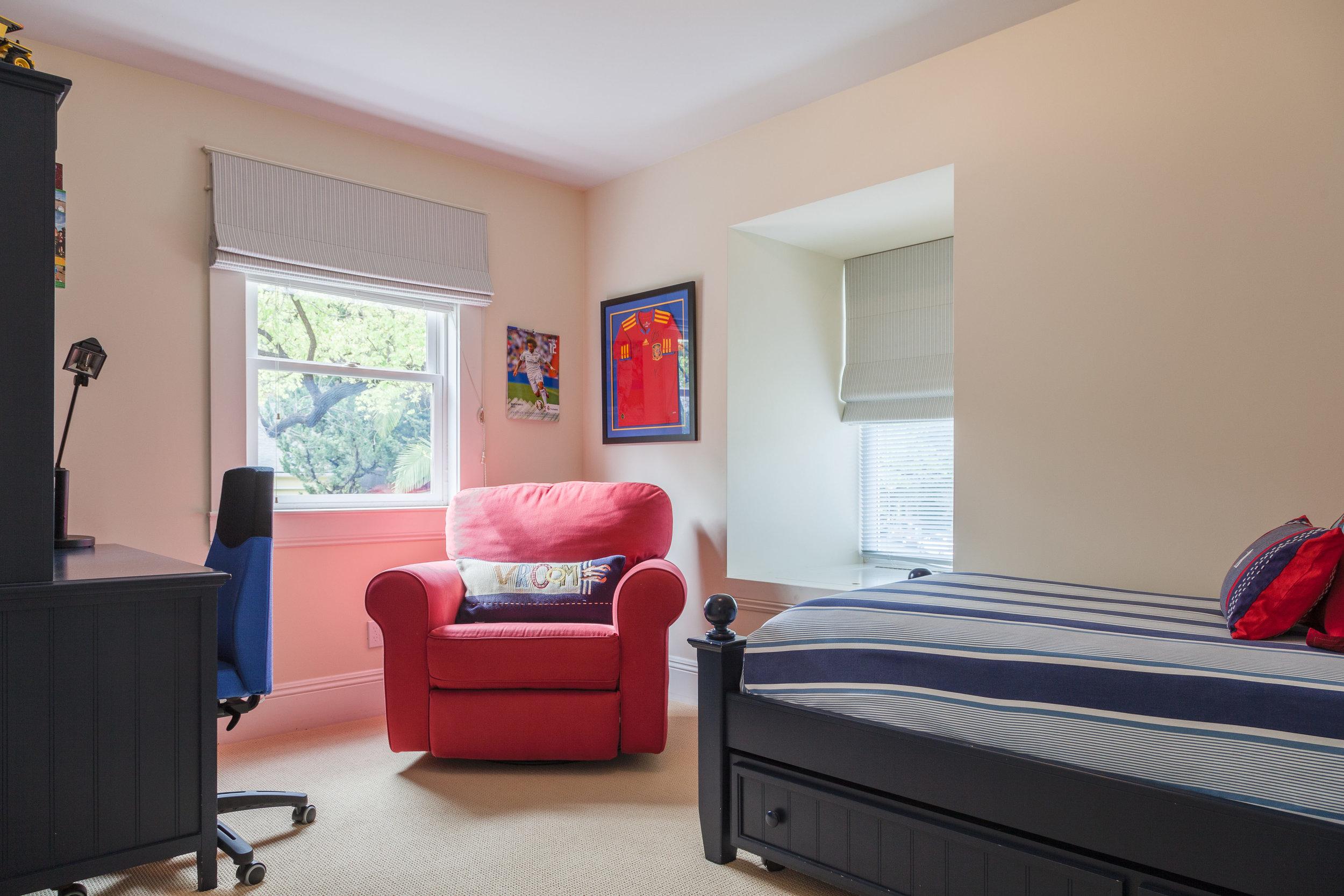 3163 La Suvida Dr Los Angeles-print-029-Bedroom-4200x2800-300dpi.jpg