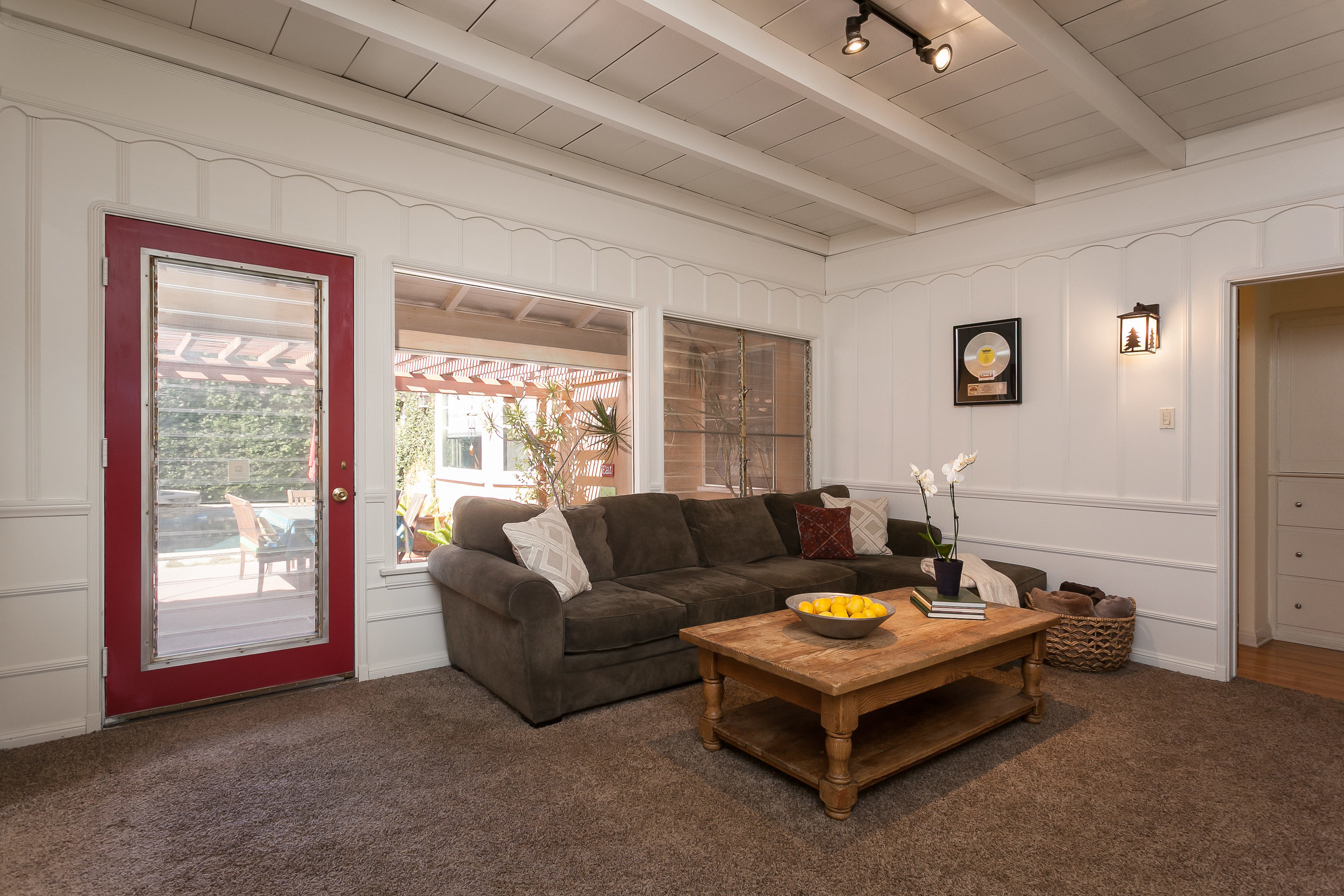 4107 Goodland Ave Studio City-print-013-3-Family Room-3861x2574-300dpi.jpg