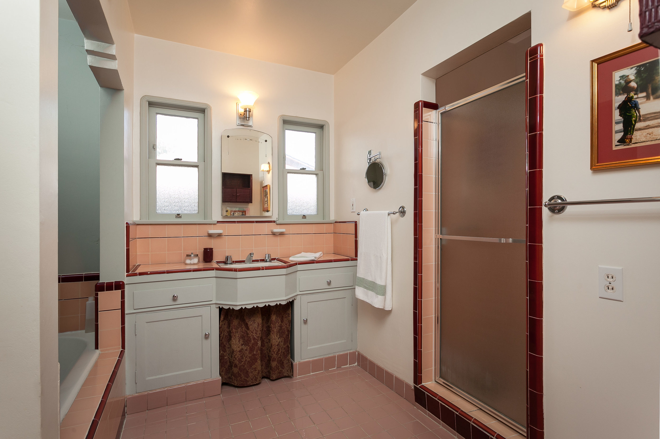 4107 Goodland Ave Studio City-print-017-14-Bathroom-3865x2575-300dpi.jpg