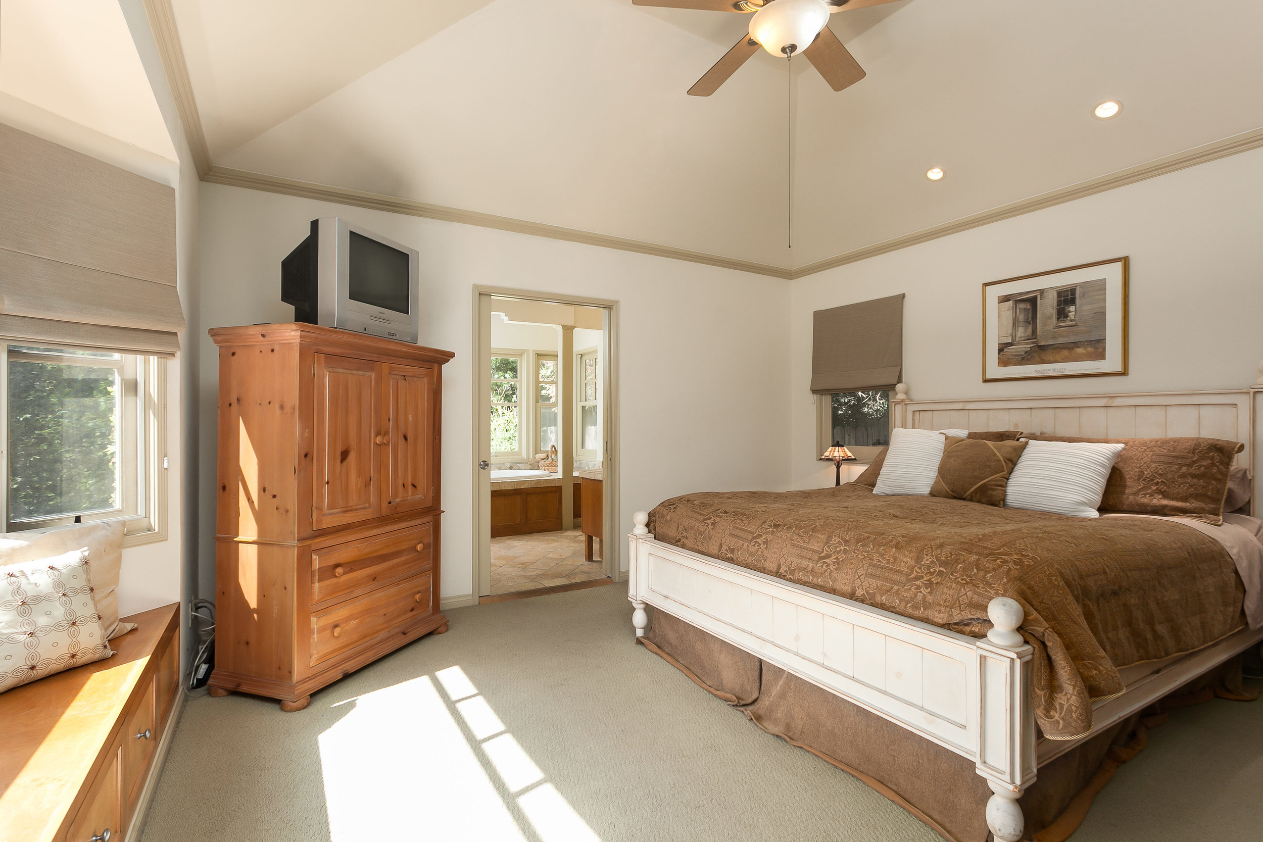 4107 Goodland Ave Studio City-print-018-17-Master Bedroom-3863x2576-300dpi.jpg