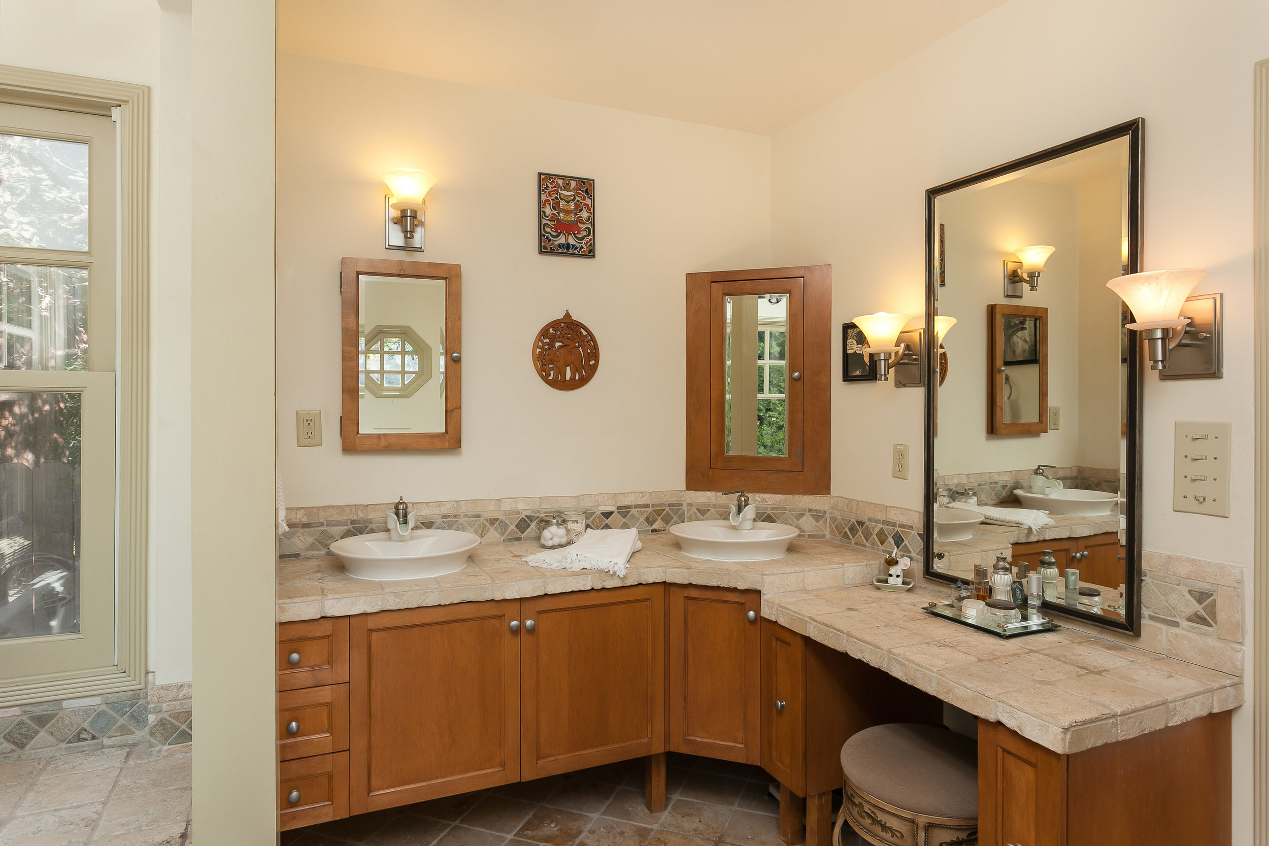 4107 Goodland Ave Studio City-print-021-27-Master Bathroom-3862x2575-300dpi.jpg