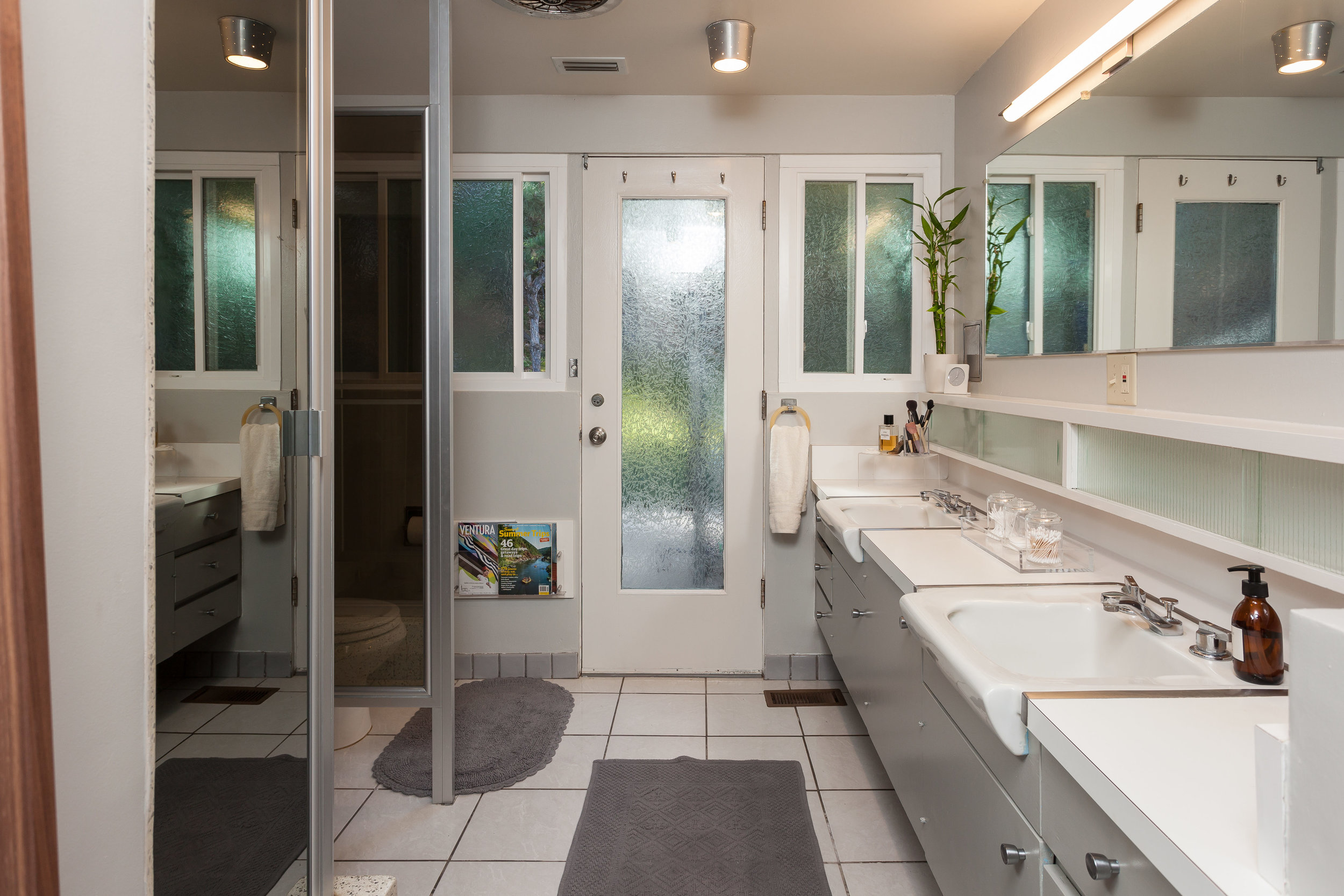 3493 Valley Meadow Rd Sherman-print-011-1-Master Bathroom-4200x2800-300dpi.jpg
