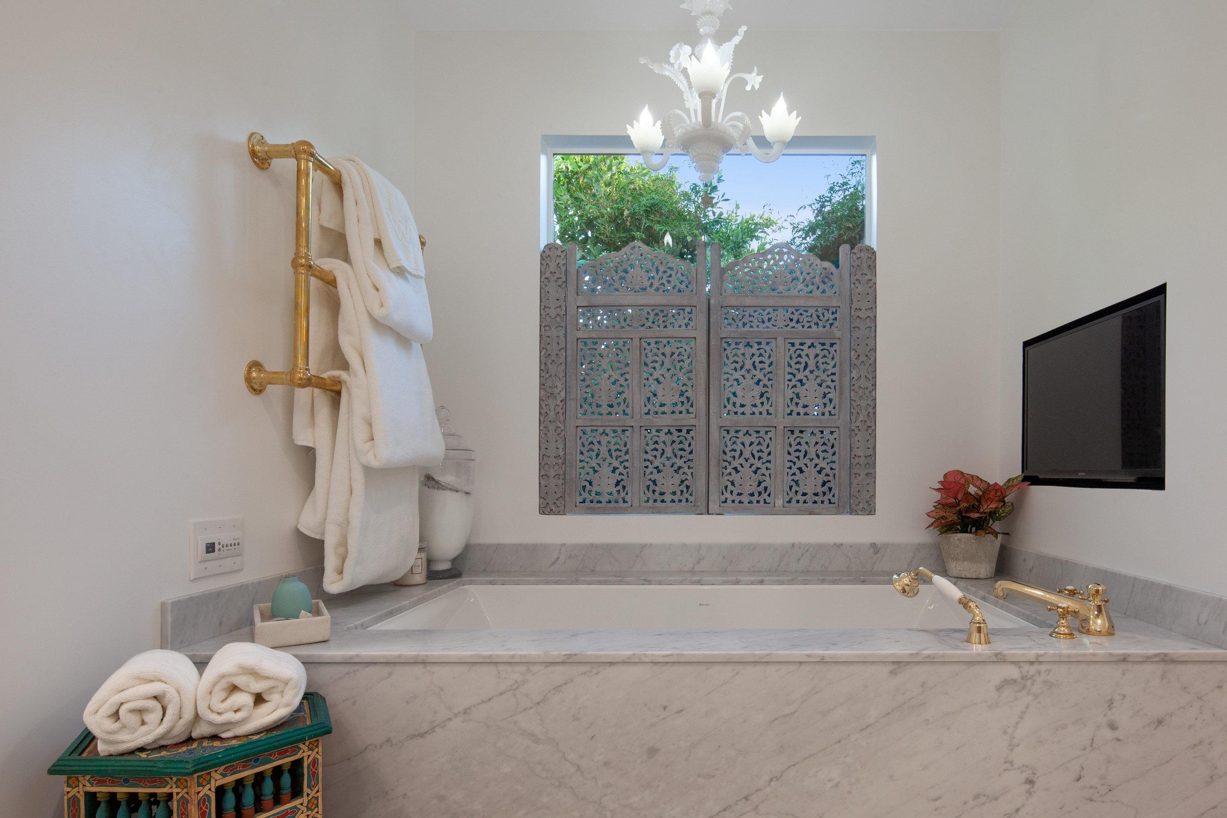 11630 Acama St Studio City CA-print-017-17-Master Bathroom-4200x2800-300dpi.jpg