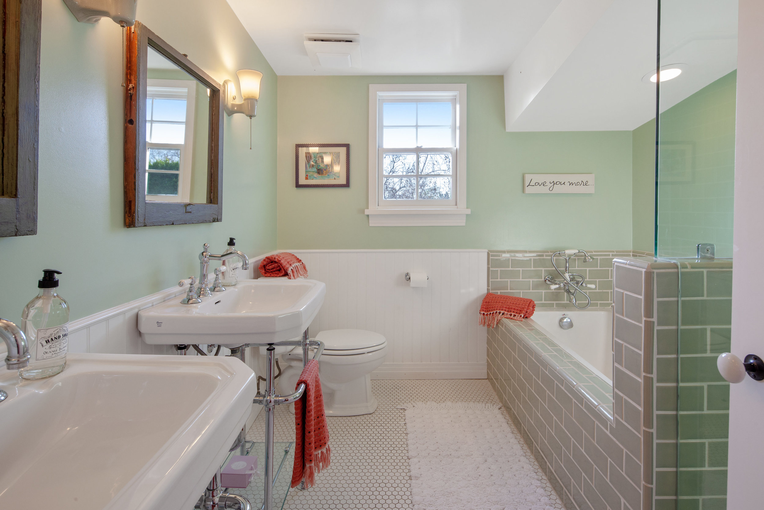 11630 Acama St Studio City CA-print-025-21-Bathroom-4200x2800-300dpi.jpg
