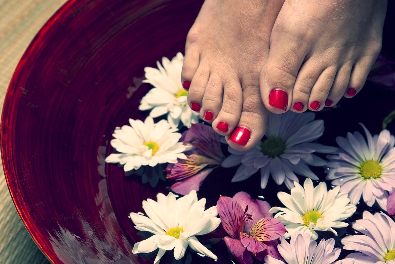foot-1885546_1280.jpg