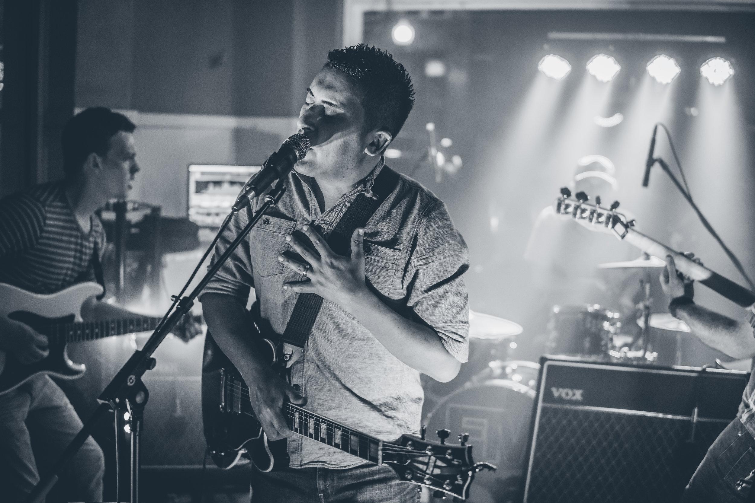 FM Pilots - Tulsa Rock Band - at Inner Circle Vodka Bar 090916-5.jpg