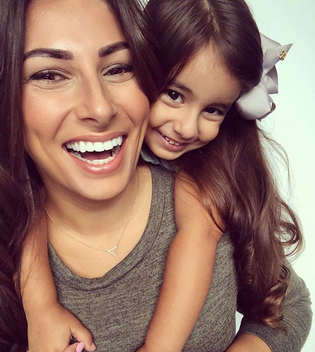 Our gorgeous Zoe from the @thesubtlemummy and our favourite little girl Ambrosia 💕 BROWS BY: Yasmin