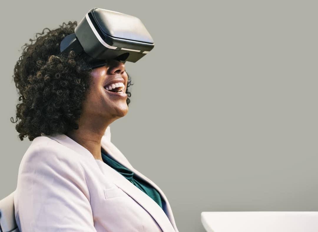 Bénéficiez d'un accompagnement complet - Nos coachs VR seront avec vous pendant toute la durée de l'activité pour accompagner les participants et les guider vers des jeux adaptés à leurs envies.