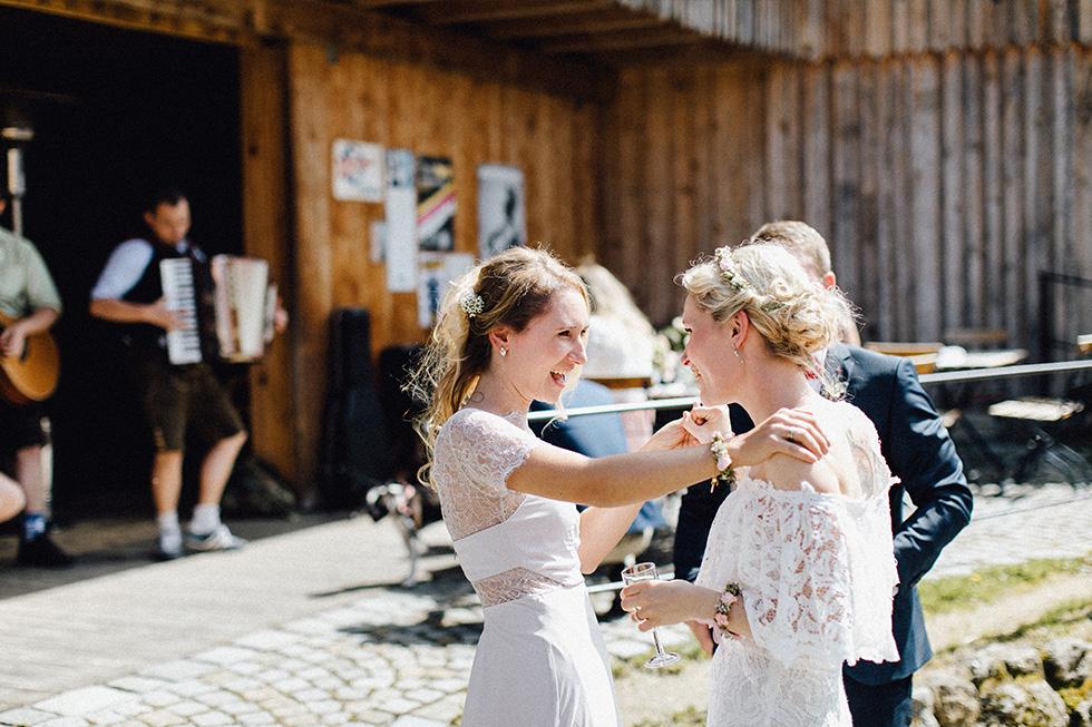 Traumanufaktur_Schafferhof_Windischeschenbach_Bayrische_Hochzeit_Hochzeitsfotograf_101.jpg