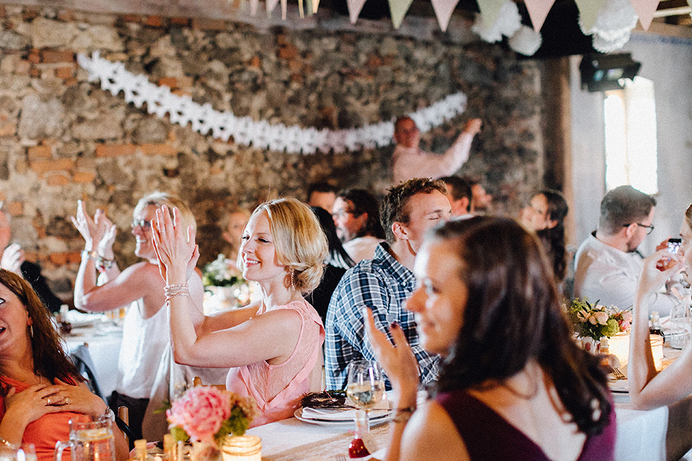 Traumanufaktur_Schafferhof_Windischeschenbach_Bayrische_Hochzeit_Hochzeitsfotograf_150.jpg