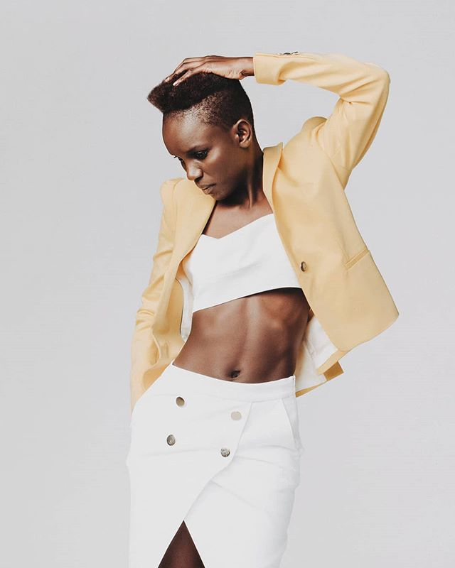 Ndoumbe. @mambadiack  #fashion #fashionphotographer #fashionphotography #model #ndoumbe #yellow #white #moda #studio #photooftheday #picoftheday #photography #miguelgoni #miguelgoniphotographer #pamplona