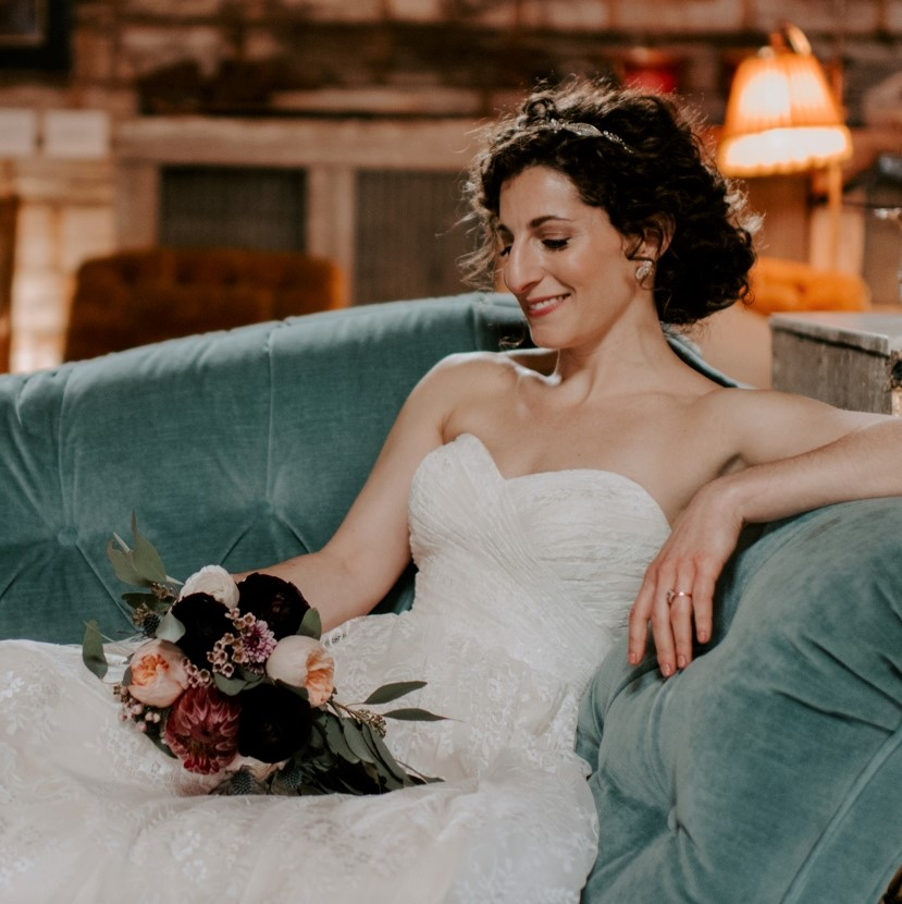 Photo 3 Sofa Bride (2).jpg