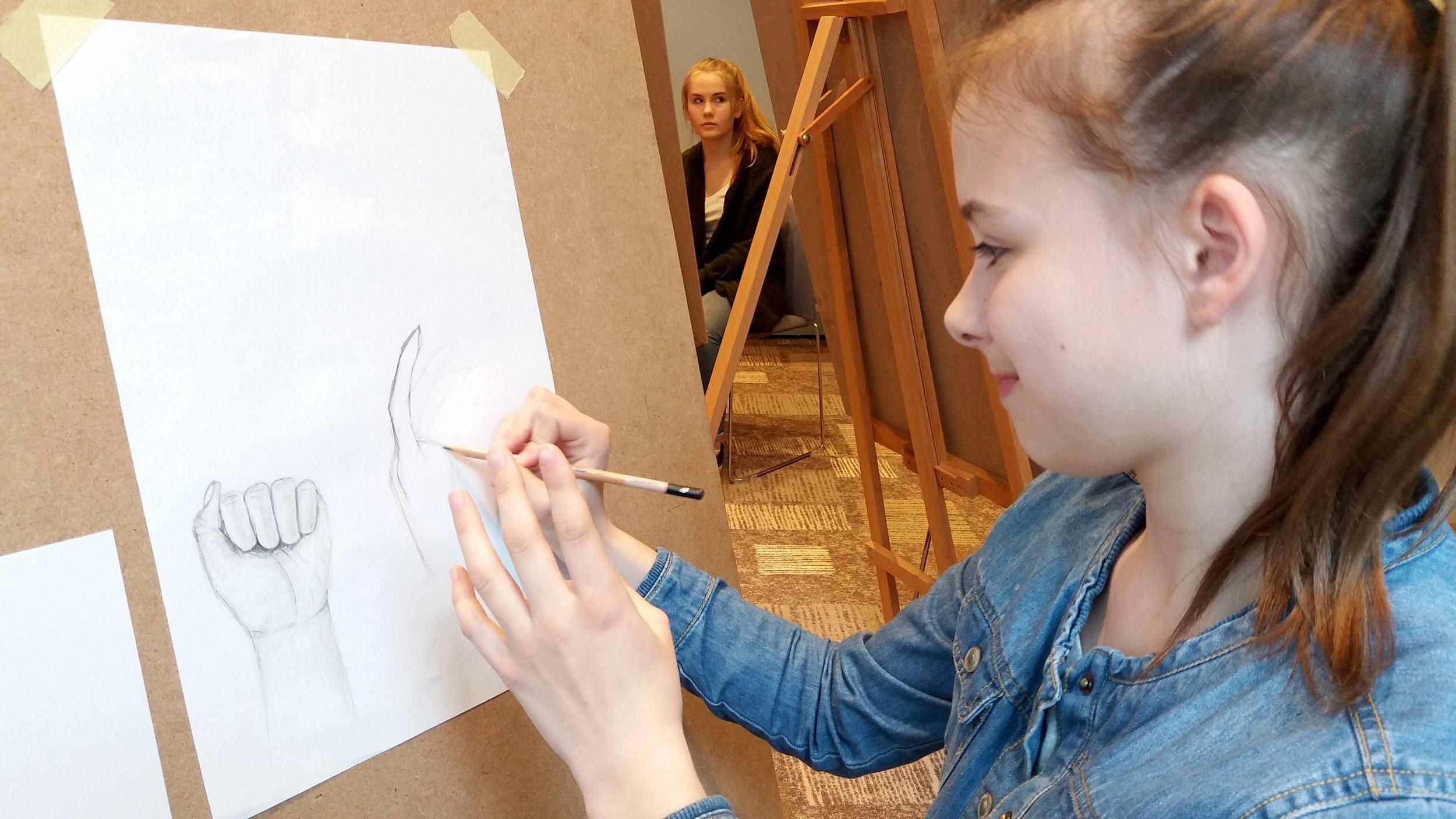 Podstawy rysunku - szkice dłoni