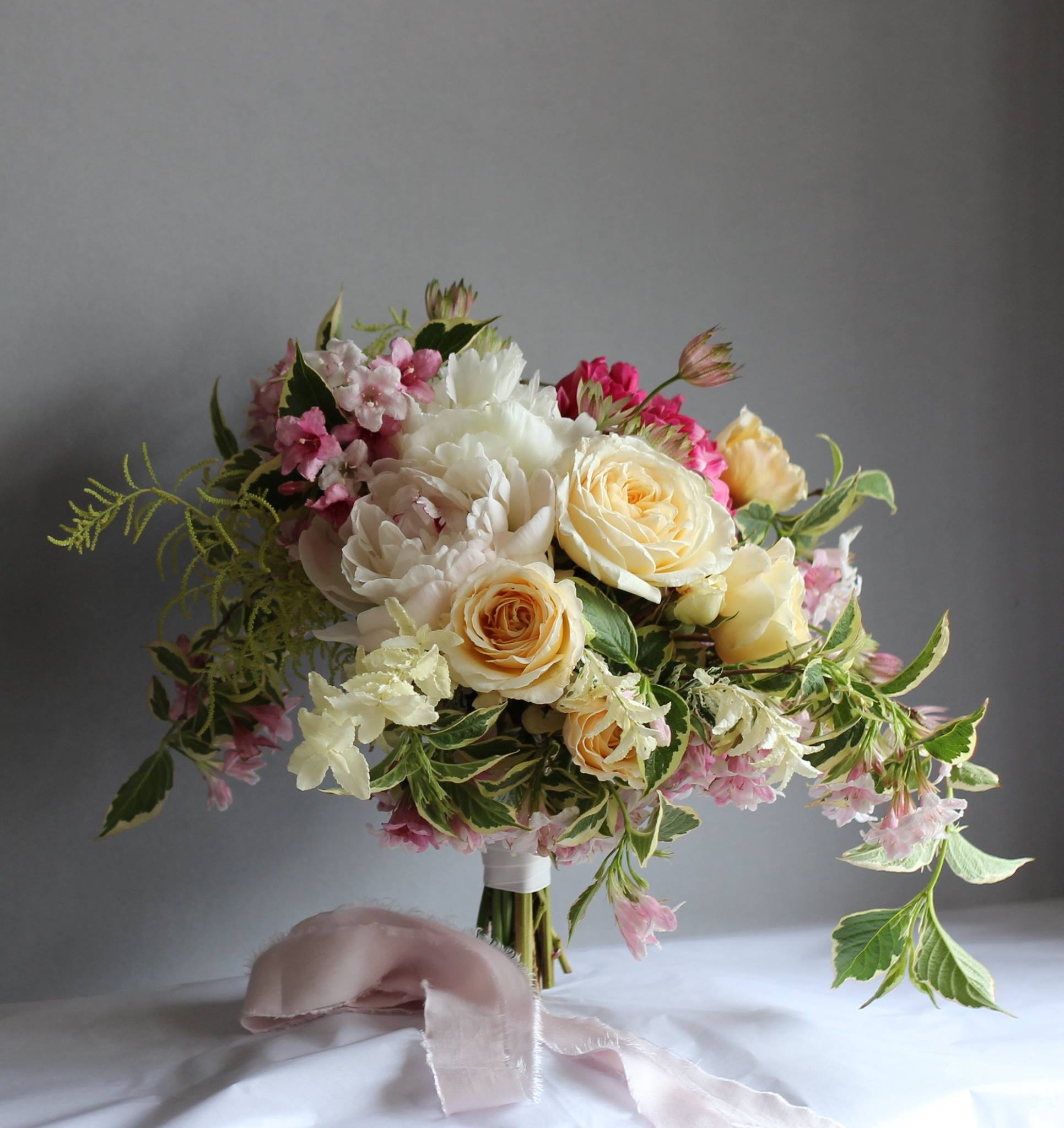 Free form garden wedding bouquet.jpg