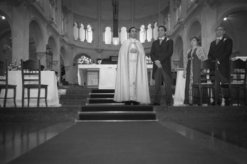 eugenia+pedro-hotel-marriot-iglesia-san-benito-abad-centro-naval-buenos-aires-fotografo-casamientos-en -buenos-aires-argentina-020
