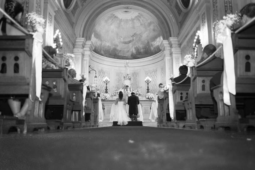 Laura+pablo-fotografo-de-casamientos-bodas-en-buenos aires-capital-argentina-imagenes-uriel-luongo-urielluongo.com-fotoperiodismo-basilica-san antonio de padua-mora prado-eventos (18 de 44)