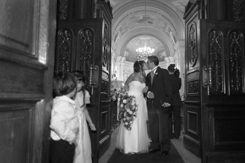 Laura+pablo-fotografo-de-casamientos-bodas-en-buenos aires-capital-argentina-imagenes-uriel-luongo-urielluongo.com-fotoperiodismo-basilica-san antonio de padua-mora prado-eventos (20 de 44)