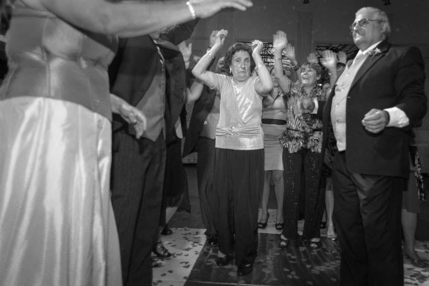 Laura+pablo-fotografo-de-casamientos-bodas-en-buenos aires-capital-argentina-imagenes-uriel-luongo-urielluongo.com-fotoperiodismo-basilica-san antonio de padua-mora prado-eventos (25 de 44)