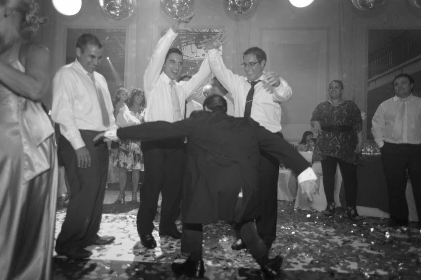 Laura+pablo-fotografo-de-casamientos-bodas-en-buenos aires-capital-argentina-imagenes-uriel-luongo-urielluongo.com-fotoperiodismo-basilica-san antonio de padua-mora prado-eventos (29 de 44)