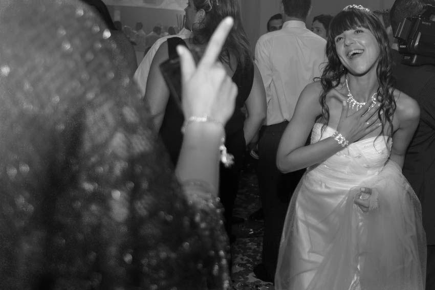 Laura+pablo-fotografo-de-casamientos-bodas-en-buenos aires-capital-argentina-imagenes-uriel-luongo-urielluongo.com-fotoperiodismo-basilica-san antonio de padua-mora prado-eventos (30 de 44)