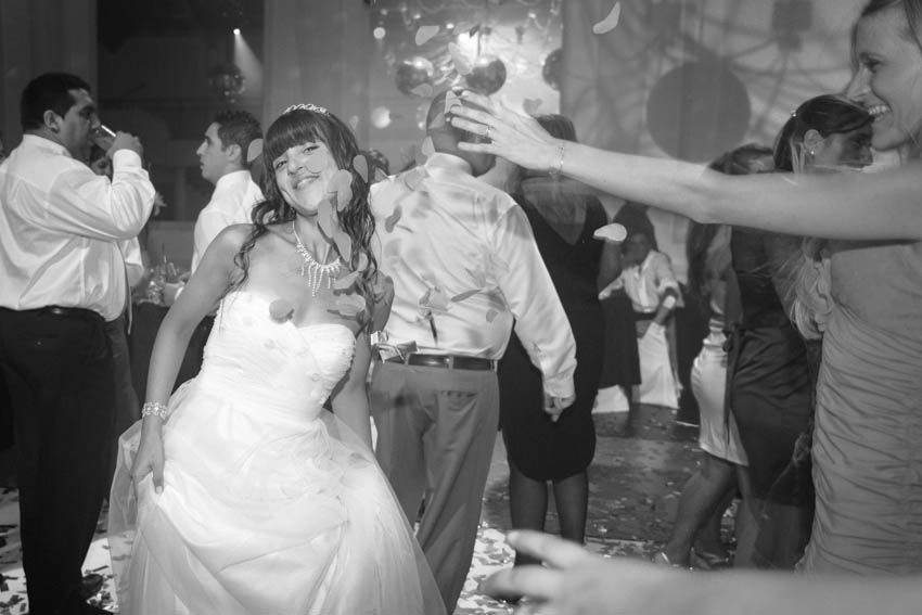 Laura+pablo-fotografo-de-casamientos-bodas-en-buenos aires-capital-argentina-imagenes-uriel-luongo-urielluongo.com-fotoperiodismo-basilica-san antonio de padua-mora prado-eventos (32 de 44)