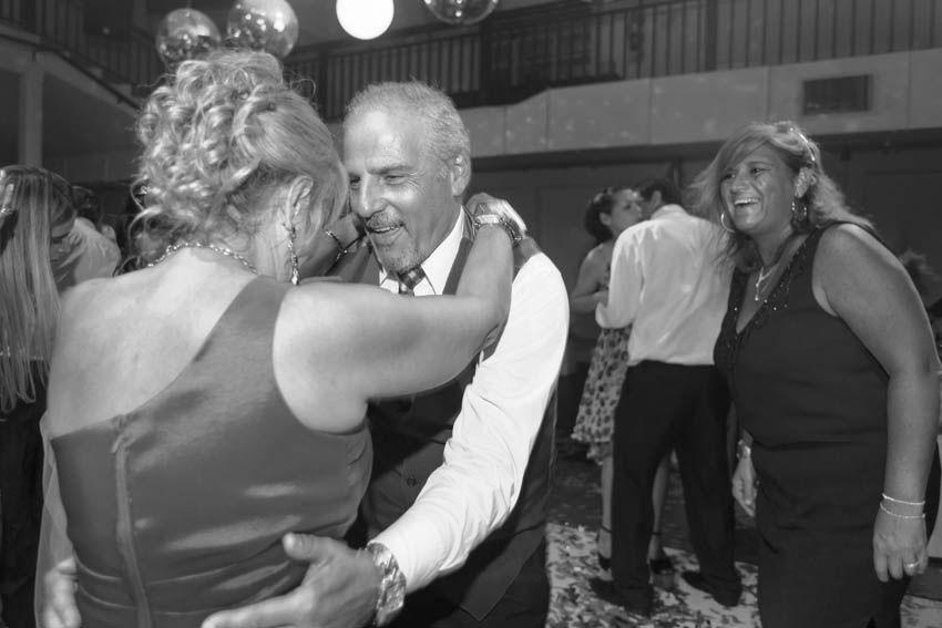 Laura+pablo-fotografo-de-casamientos-bodas-en-buenos aires-capital-argentina-imagenes-uriel-luongo-urielluongo.com-fotoperiodismo-basilica-san antonio de padua-mora prado-eventos (35 de 44)