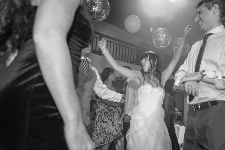 Laura+pablo-fotografo-de-casamientos-bodas-en-buenos aires-capital-argentina-imagenes-uriel-luongo-urielluongo.com-fotoperiodismo-basilica-san antonio de padua-mora prado-eventos (38 de 44)