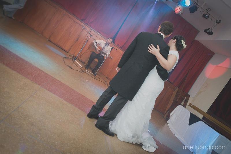 urielluongo.com-casamiento-buenos-aires-argentina-autor-fotografo-bodas-parroquia-san-pedro-telmo-san-telmo-salon-tui-salceda-españa-imagen
