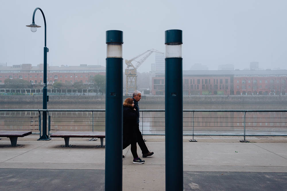 street-photo-uriel-luongo-fotografia-de-calle-en-buenos-aires-argentina-puerto-madero-imagenes-visual-storytelling-63.jpg