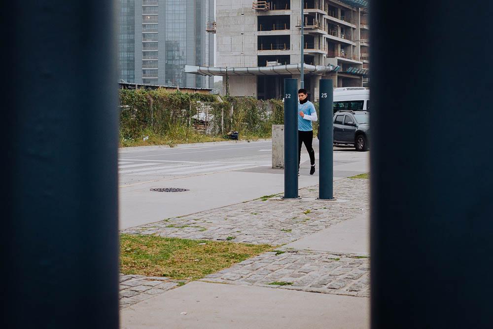 street-photo-uriel-luongo-fotografia-de-calle-en-buenos-aires-argentina-puerto-madero-imagenes-visual-storytelling-67.jpg