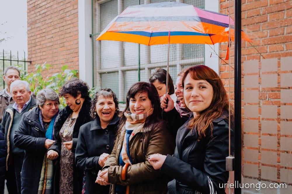 uriel-luongo-fotografia-casamientos-bodas-argentina-imagenes-bodas-buenos-aires-comuna-6-bar-magno-documentl-loqueimportaeselmomento-022.jpg