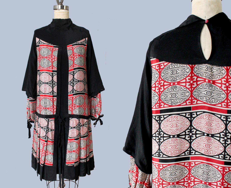 Printed silk dress. 1920s.