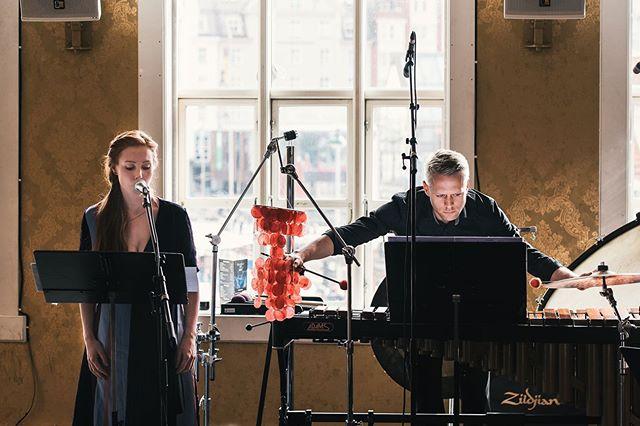 Så gøy å få slippe @rebecka.ahvenniemi sitt nye album Tacit-Citat-Ion med så mange flotte musikere! 🥳 takk til alle som ble med på feiringen!  Foto: @kristofferoen