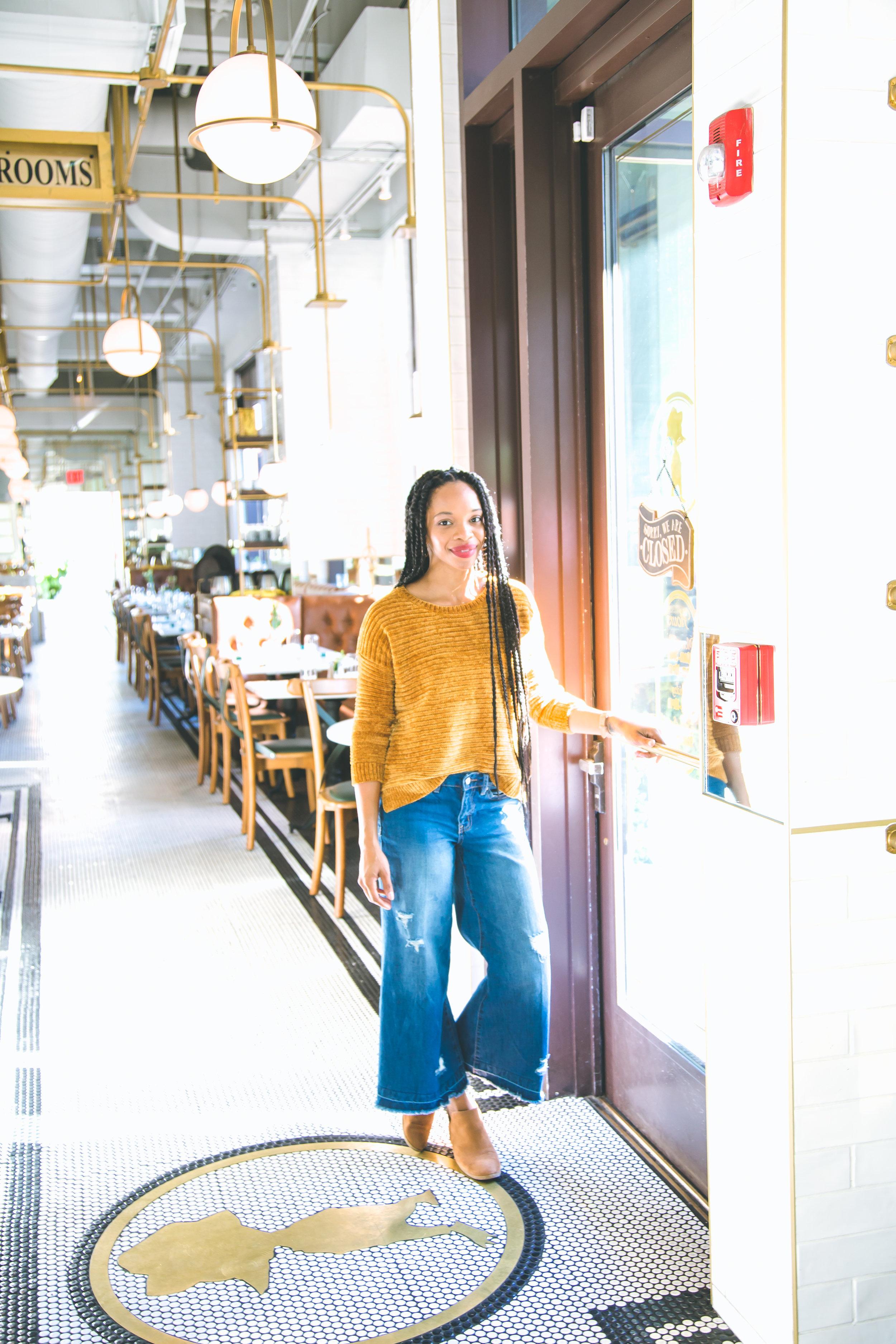 Shelly Carpenter of Shelly C. Studio & Shelly C. Lately Lifestyle Travel Motherhood Blogger in Savannah GA Hinesville GA Little Duck Diner