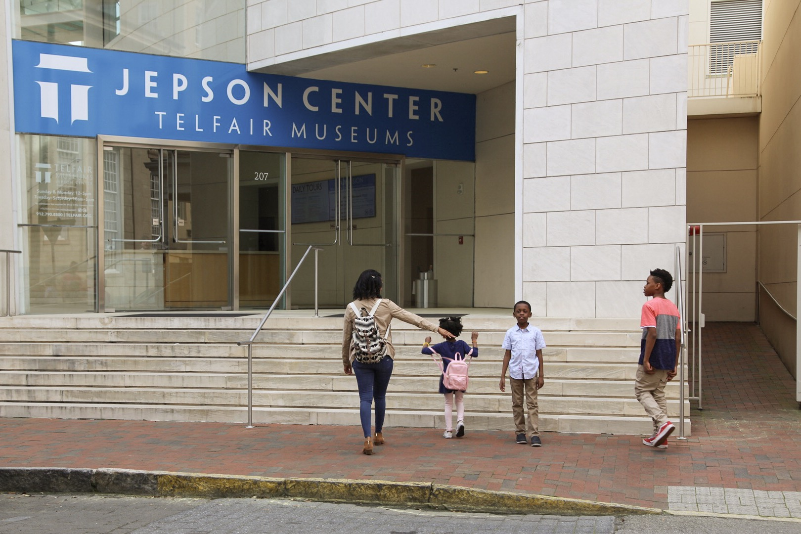 Shelly C Lately Visits Telfair Museums in Savannah GA. Single Mom & Lifestyle blogger Shelly Carpenter travels with children. Jepson Center