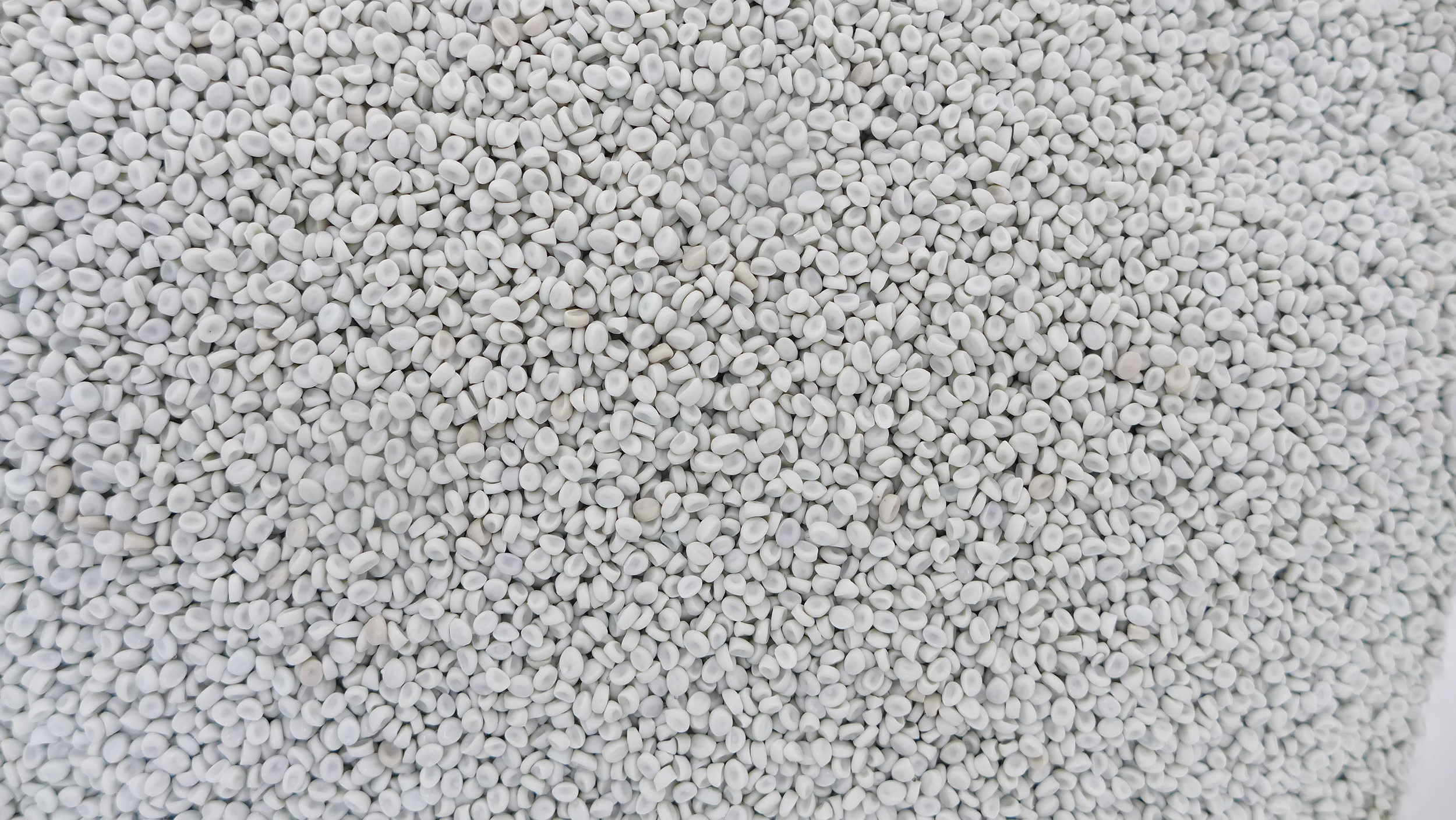 Granulate Light grey HDPE (2).JPG