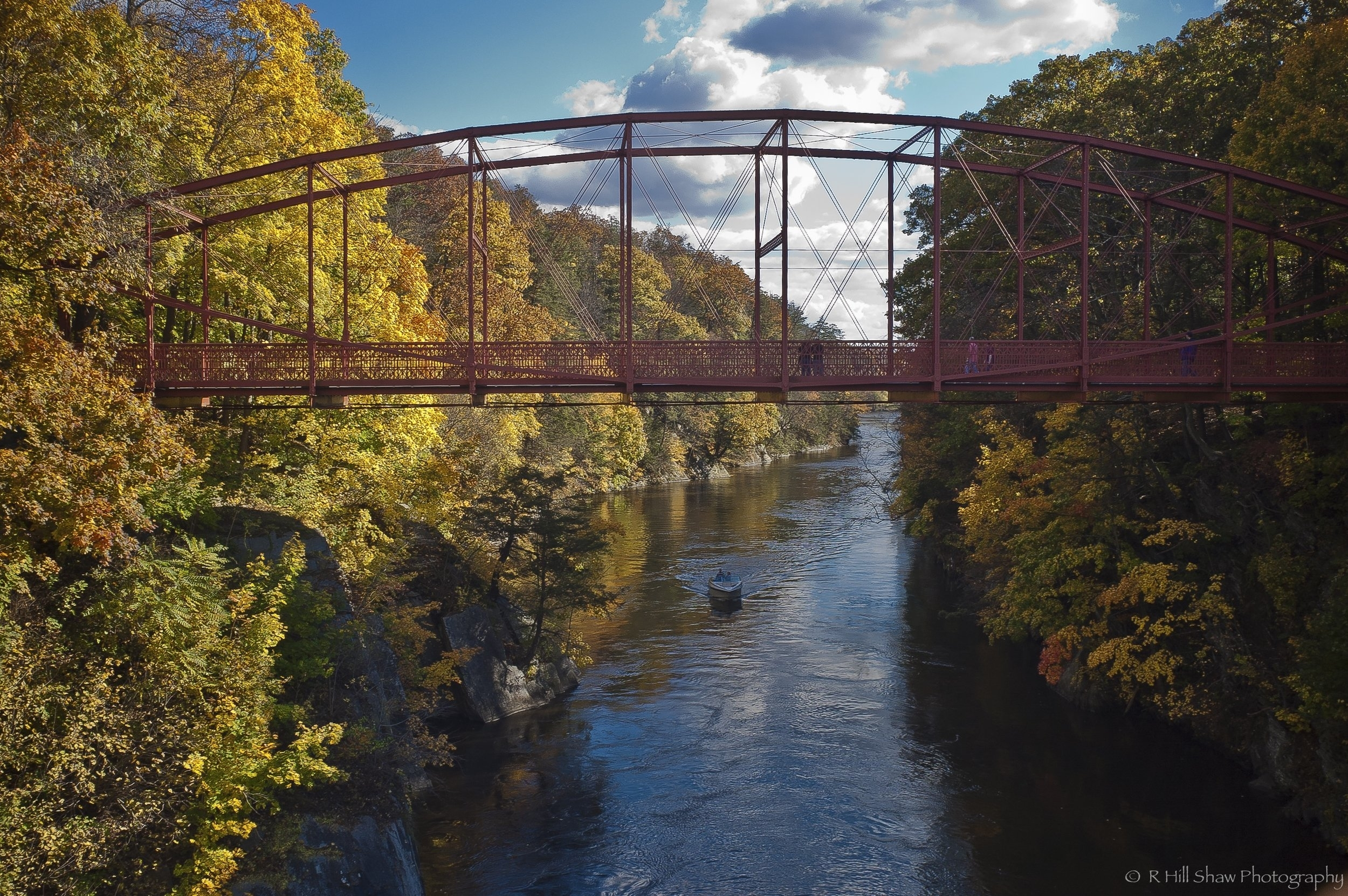 Lover_Leap_Bridge_-_New_Milford_Ct_-_Built_by_The_Berlin_Iron_Bridge_Company_1895..jpg