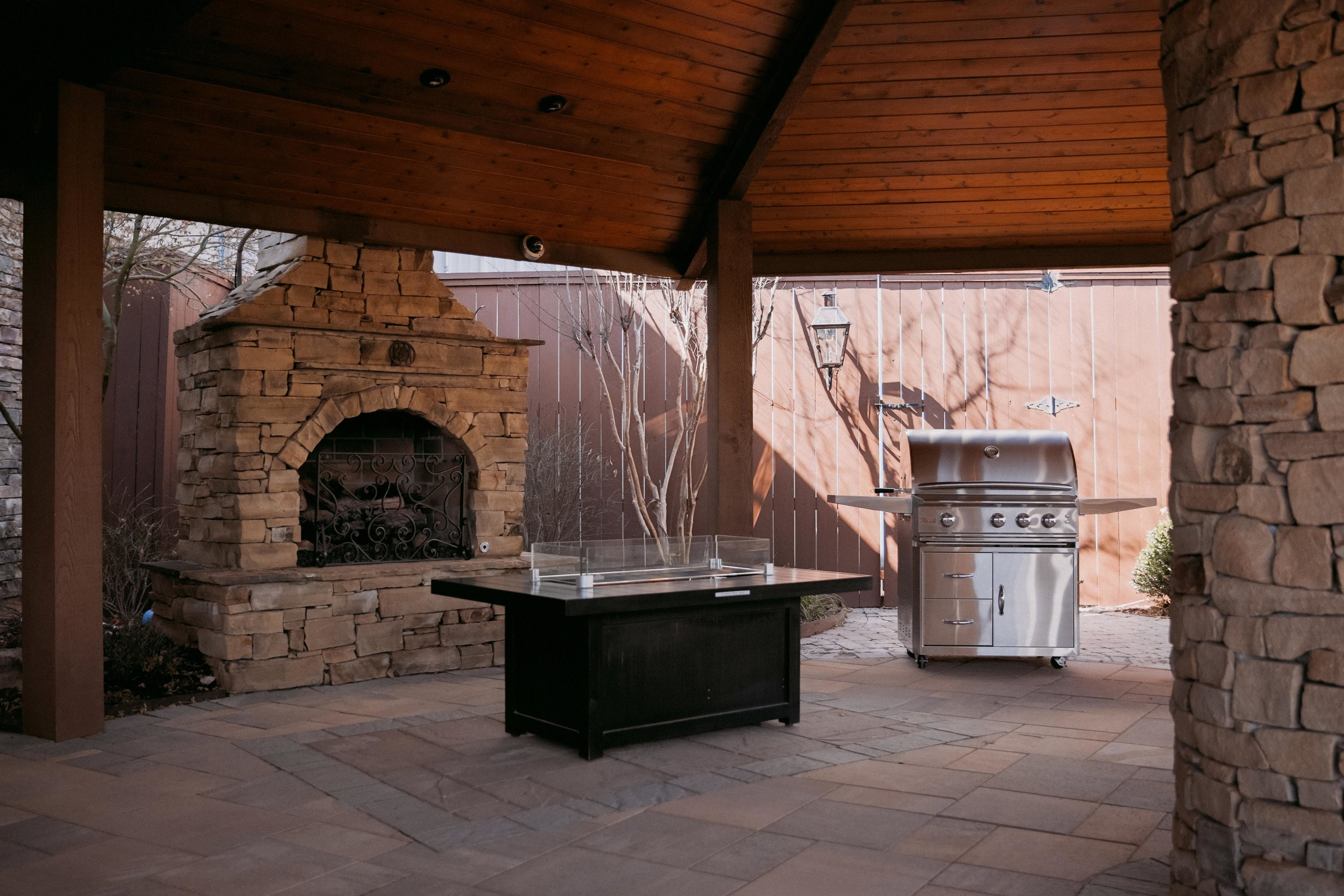natural gas , propane grills, charcoal,wood grills,smokers, propane, grill,barbecue, BBQ, food, cook, eat, outdoor cooking, smoker, america, USA, united states of america, cooking equipment, oklahoma city, oklahoma,OK, fire, links, steak, picnic, eat, beef